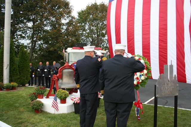 Asst Chiefs Primus & Kuzmech III place wreath at the memorial site